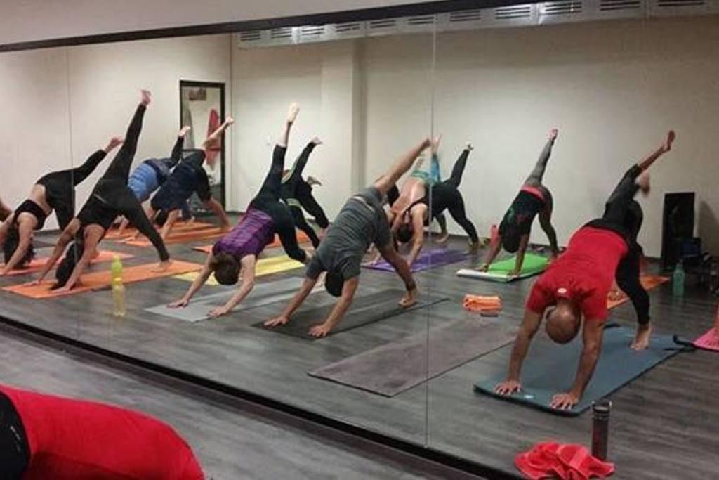 academia Hpy Hot Power Yoga Suc Plaza Arcos - Loma Dorada ...
