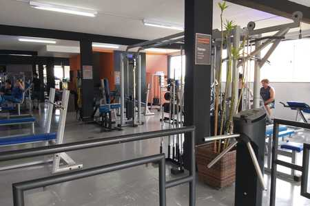 Academia Wide Fitness -