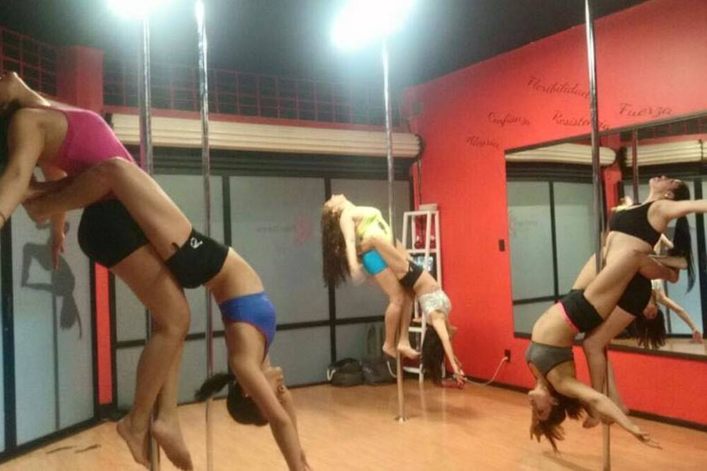 pole dance s cool