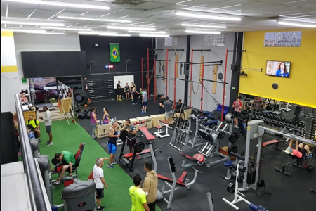 Academia Fitness Center