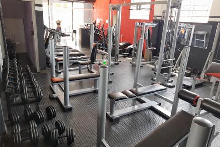 Academia Four Too Fitness -