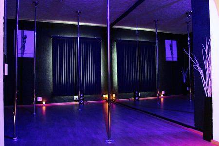 Pole Fit Studio - Nápoles