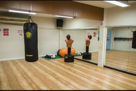 Academia Four Fitness