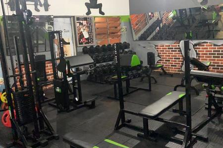 Power Fit Academia -