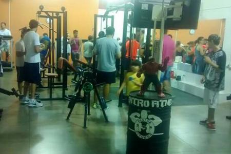 Academia Centro Fitness Itapuí -