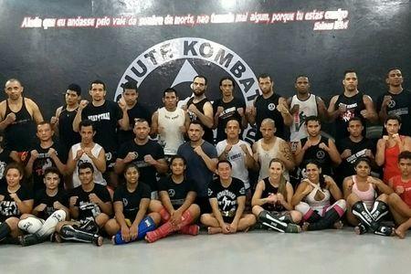 Academia Chute Kombat -