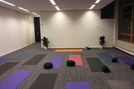 Sanata Yoga