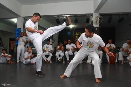 Associação de Capoeira Santa Maria – Grupo Cordão de Ouro -